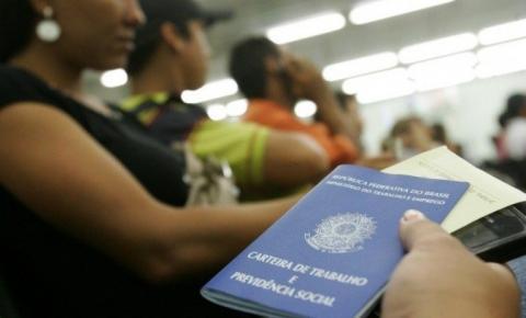 Desemprego recua para 13,7% e ainda atinge 14,1 milhões de brasileiros