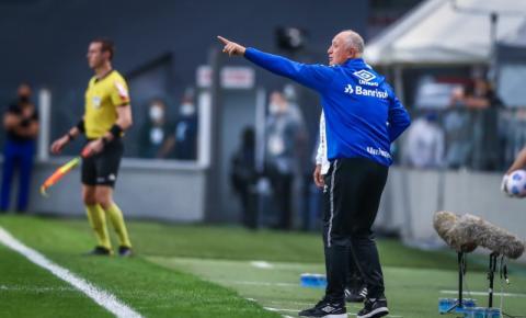 Felipão deixa comando técnico do Grêmio após derrota para o Santos