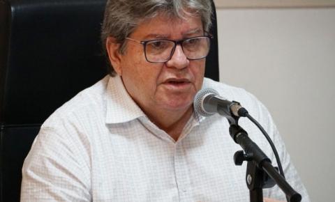 Nas redes sociais, João Azevêdo diz que vai regulamentar 'passaporte de vacinação' na Paraíba em breve